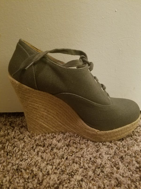 Forever 21+ Olive wedges photo two