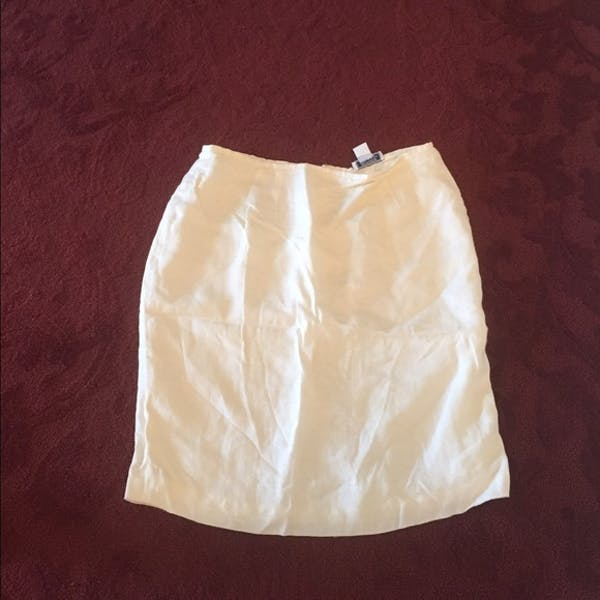 Other Beautiful white lined linen short skirt