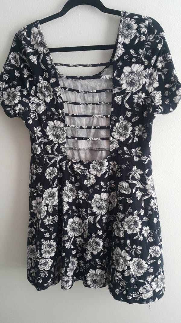 Forever 21+ Sexy Back Floral Dress